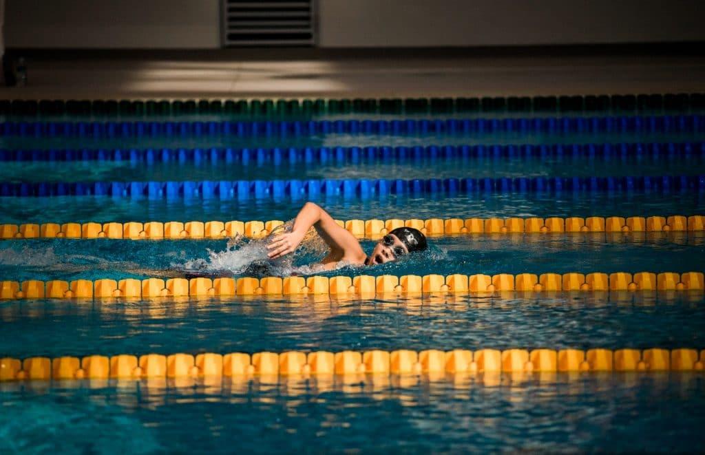 sport plâtre piscine